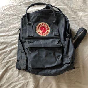 🍃 Fjallraven Kanken mini backpack